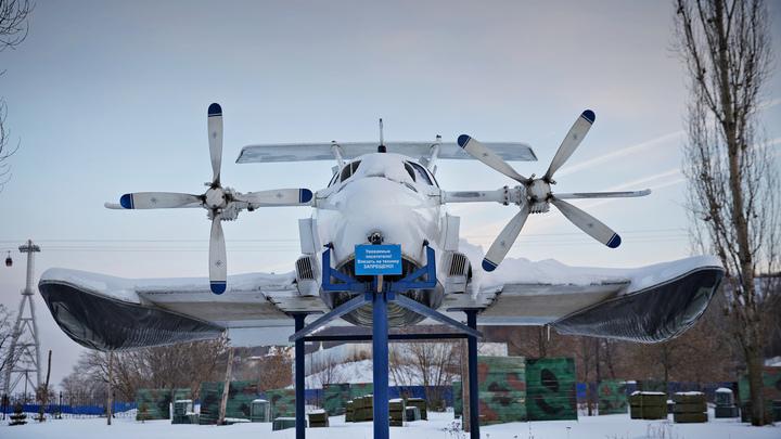 Летающий корабль весом 400 тонн приземлился на пляже Дагестана: Индийцы оценили