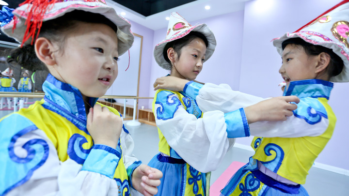 «Одна семья - один ребенок» уже не для Китая: Поднебесная отказывается от принципов прошлого века