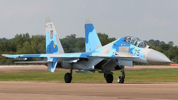 Российский Су-27 перехватил самолет-разведчик США над Черным морем - видео
