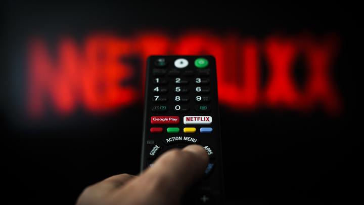 Сажать на каторгу за такое: Netflix унизил всех христиан под Рождество. Люди восстали против гомосексуального Иисуса