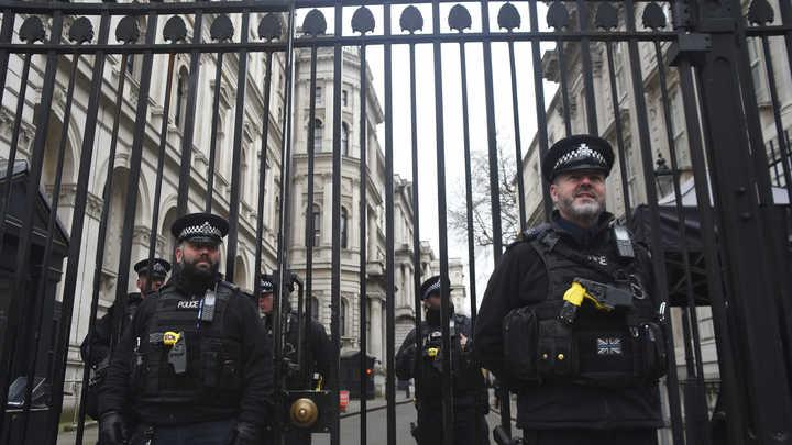 Посольство России просит МИД Британии сделать заявление по ситуации с отравлением в Солсбери