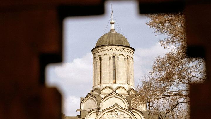 Поругание святыни: В Москве осквернён Поклонный крест Андроникова монастыря