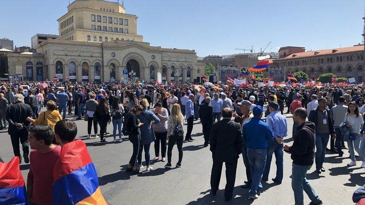 Пашинян перенес свой главный предвыборный митинг на другой день