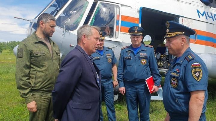 Первый замглавы МЧС России посетил пострадавший от паводка Шелопугинский район