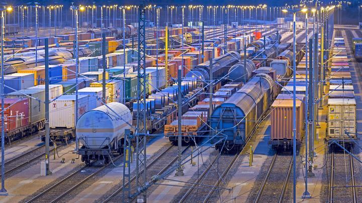 Продать все вагоны и уйти с рынка: ФАС хочет лишить РЖД грузовых перевозок