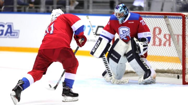 Путин один 9 шайб забил!: Сборную России неожиданно пристыдили после победы над Италией в ЧМ