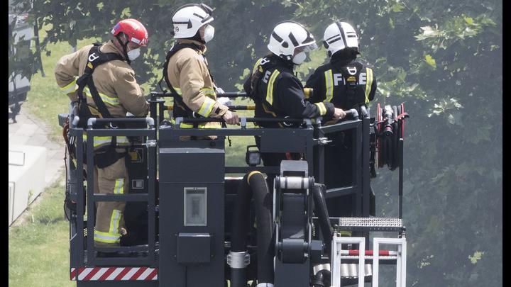 В Лондоне снова горит жилой дом