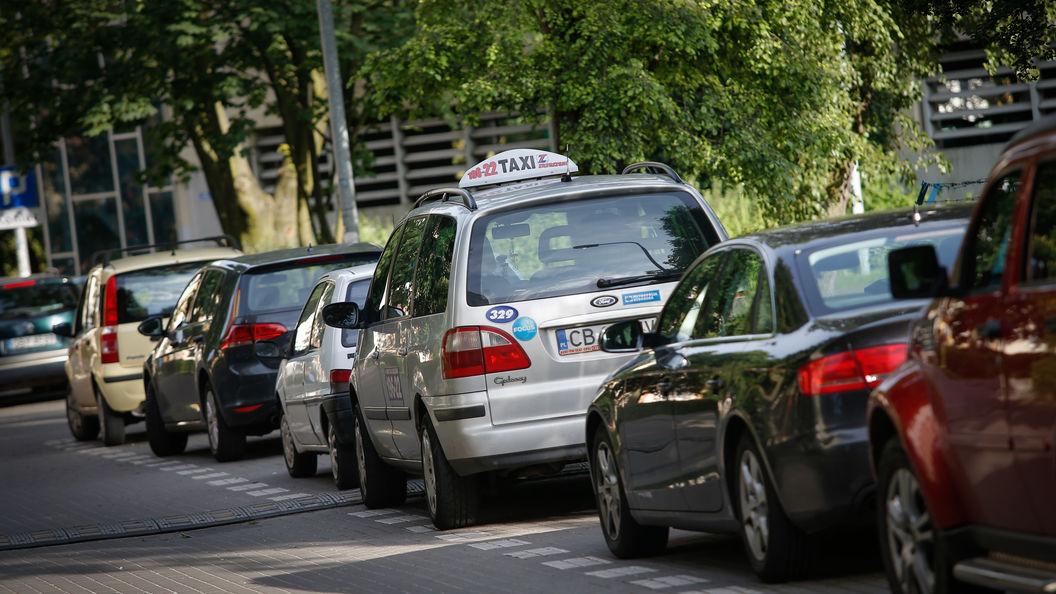 Стало известно, насколько подорожали новые авто в РФ