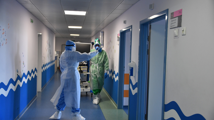 Обещали привязать к кровати, чтобы не выпрыгнул в окно: Пациенты в России - о лечении COVID
