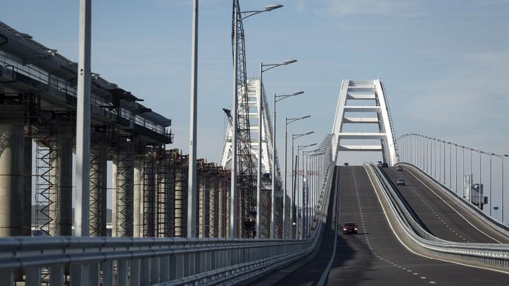 Лихач на БМВ установил рекорд нарушения скорости наКрымском мосту