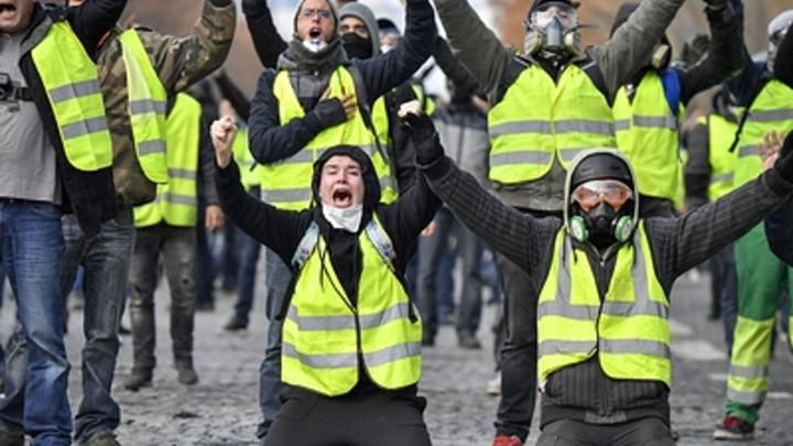 ″Желтые жилеты″ дошли до Белграда: В Сербии прошла акция протеста против пенсионного законодательства