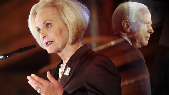 Продолжит ли вдова Маккейна дело мужа-русофоба?