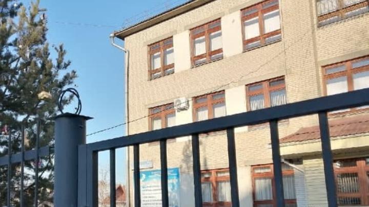 Учитель заболел : в Челябинске школа перешла на дистант из-за коронавируса