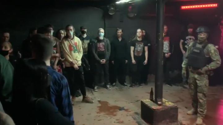 Призывы к насилию под тяжелую музыку: в Петербурге сорвали сатанинский фестиваль