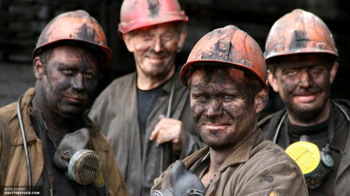 Львовские шахтеры требуют выплаты зарплат под угрозой прекращения отгрузки угля