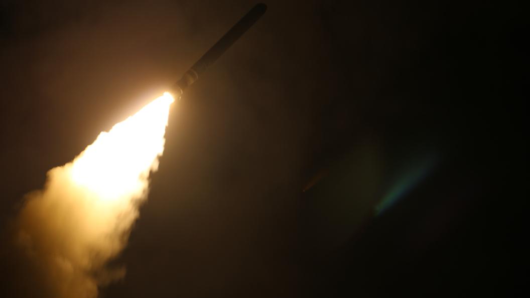 Пронзающий топор огня Пентагон решил впечатлить записью пуска Томагавка по Сирии