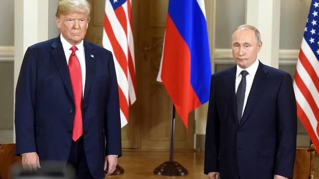 Не обошлось без скандала: Журналист устроил шоу на встрече Путина и Трампа - видео