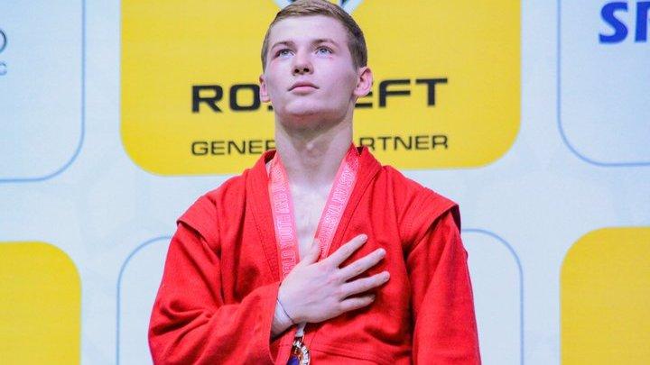 Кинешемец Александр Пшеничных завоевал золото на молодежном первенстве мира по самбо