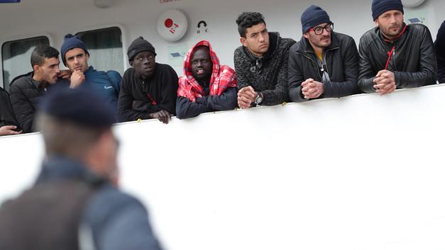 Спровоцировавшее скандал в ЕС судно Aquarius отправилось в Ливию за новыми мигрантами
