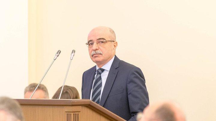Директор Петербургского фонда ОМС Александр Кужель ушел по собственному после 9 лет руководства