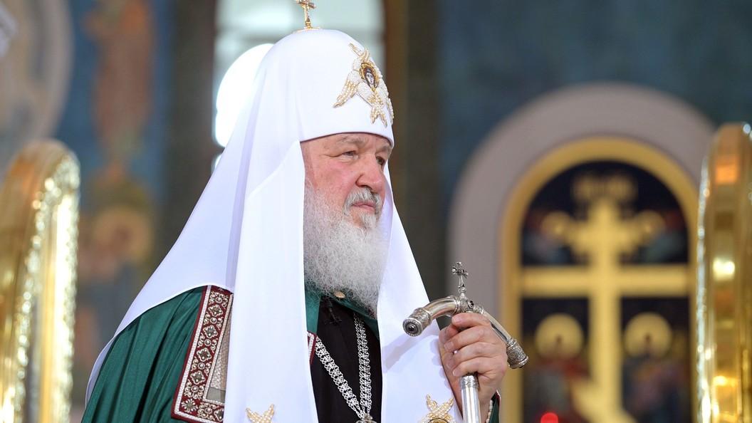 Патриарх Кирилл провел литургию вПетропавловском соборе Петербурга