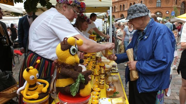 Мед в России уже вырос в цене на 50 процентов, и рост не остановится - эксперт