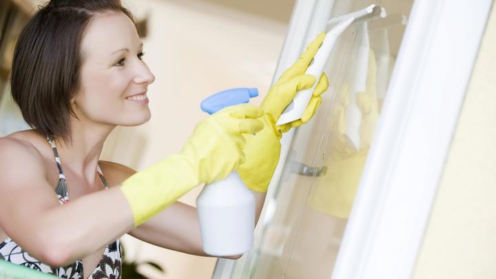 Как отмыть грязные зеркала без химии и разводов: Ароматный очиститель есть на любой кухне