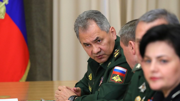 Медведев, переволновавшись, «забыл» отчество Шойгу