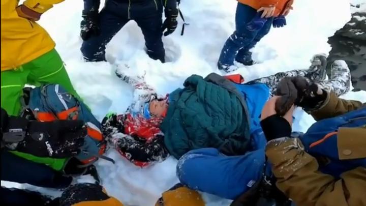 В Сочи лыжник на скорости рухнул в яму с 8-метровой высоты