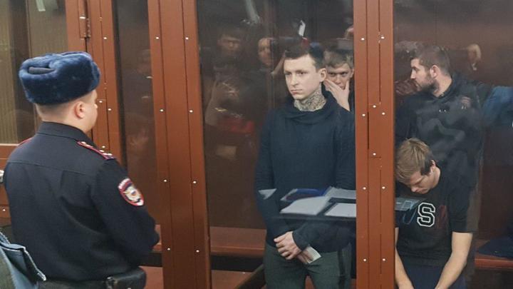 Посмотреть в глаза людям решился только Мамаев, за Кокорина платят 10 млн рублей - видео из зала суда