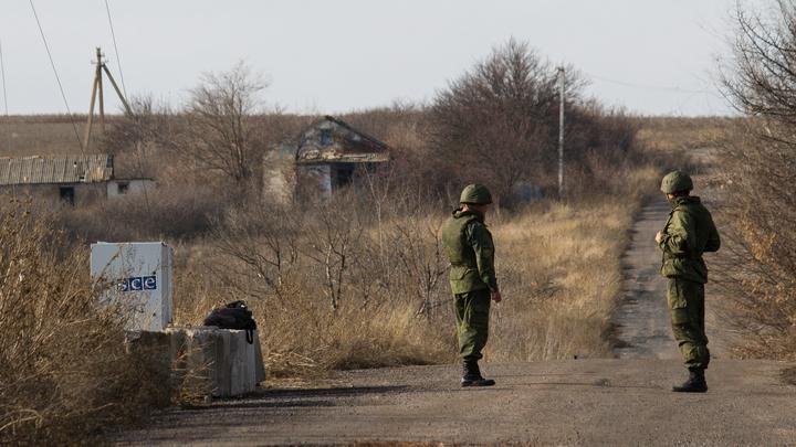 Украинские силовики потеряли пулемётный расчёт, обстреливая посёлок в ДНР