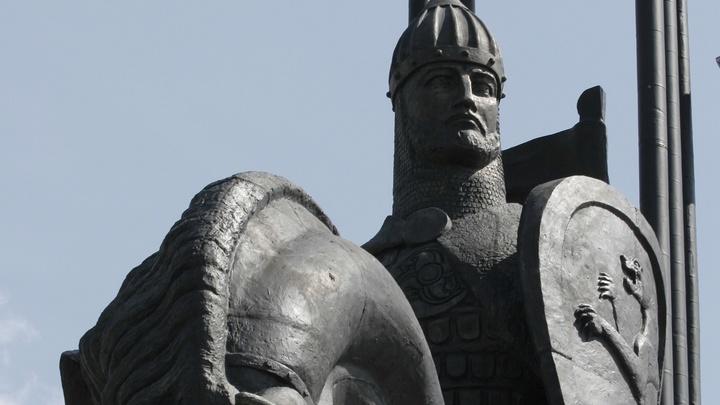 Невский - символ защиты Руси от нечисти: Депутат Госдумы высказался по поводу памятника на Лубянке
