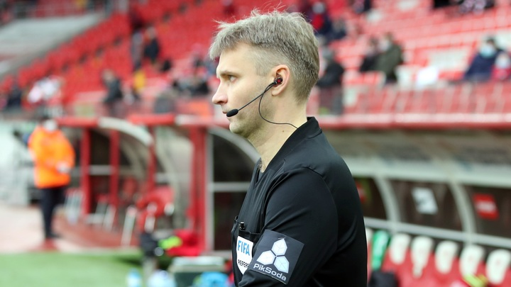 Отстранённый на 10 лет футбольный судья первым делом обратится в РФС