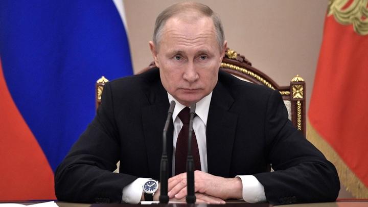 Хочу попасть домой к бабушке: Вырвавшийся из детдома подросток попросил помощи Путина