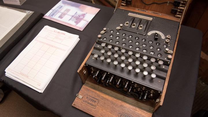 Ученые «заглянули» внутрь шифровальной машины «Энигма» - видео