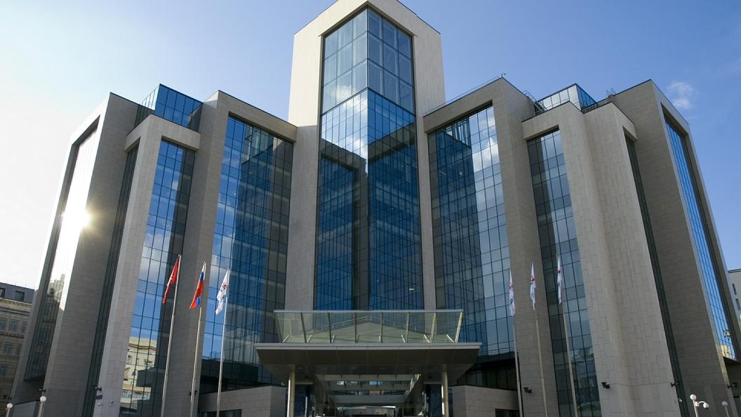 Нефтяная компания Лукойл продолжит сотрудничество с ФК Открытие