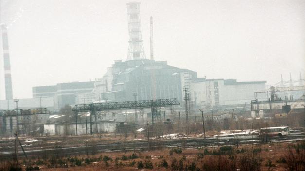 В Чернобыле третьи сутки продолжают тушить пожар