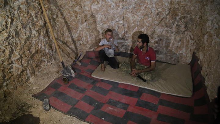 22 ребенка с родителями умирают от химического отравления: Минобороны рассекретило 9 спектаклей в Сирии