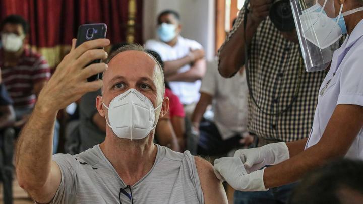 В Новосибирской области назвали долю заболевших COVID-19 после вакцинации