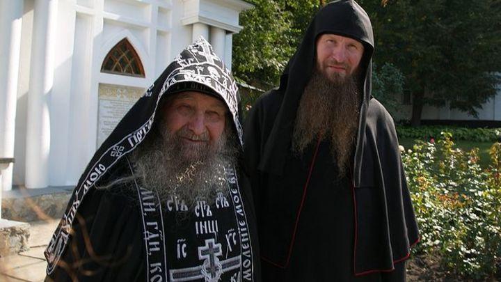 Без попов на мерседесах: COVID-19 открыл подлинную Русскую Церковь