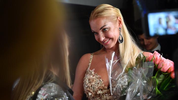 Ариша, перестань это делать: Волочкова призналась, как в травлю втянули её дочь