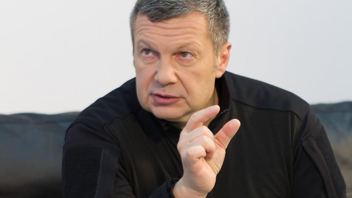 Снявший трусы в эфире Соловьёва парень с БелАЗа потерял работу и получил совет: Зелёнкой надо…