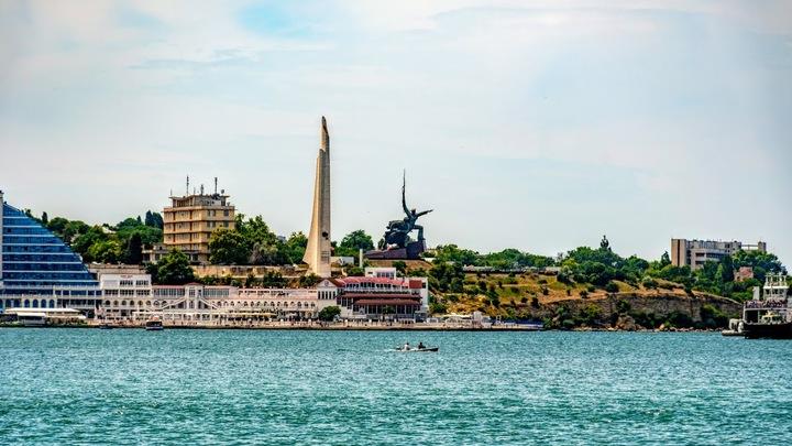 Окружая Крым: Укрзализныця признала ошибки официального Киева