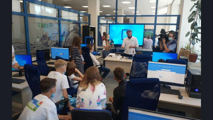 Детям из социально-реабилитационных центров Новосибирской области провели урок на киберполигоне