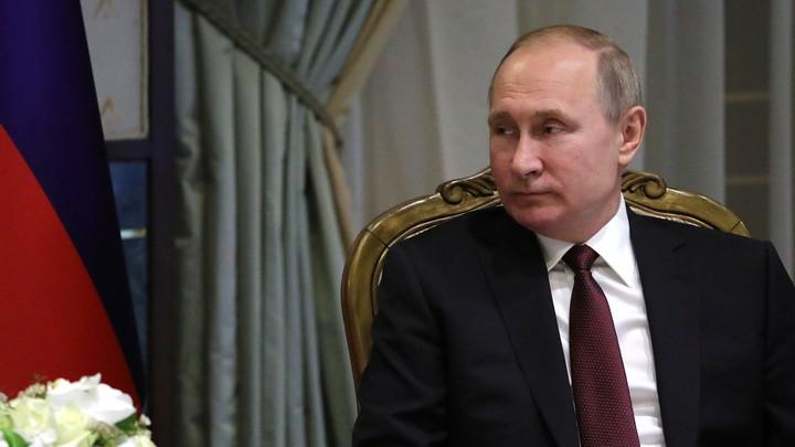 Москалькова передала Путину «символическую флешку»