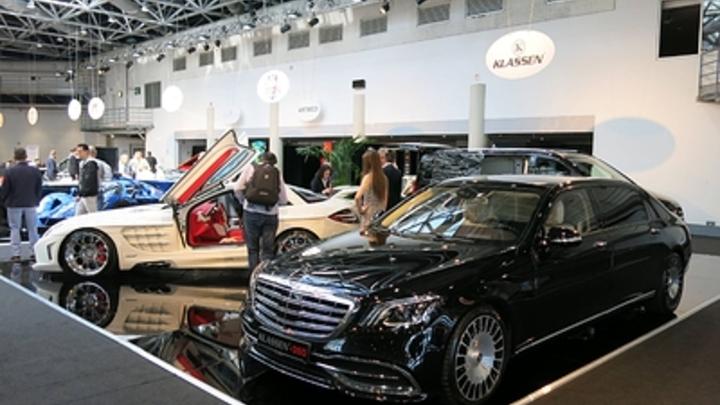 В РФ продолжается падение продаж люксовых авто