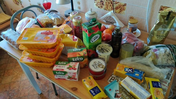 Не вирус, так понос: В Питере чиновники помогли нуждающимся странным продуктовым набором
