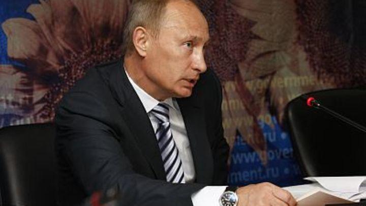 Поднимем бокалы за новый век России: Что пожелал Путин в Новый год 20 лет назад