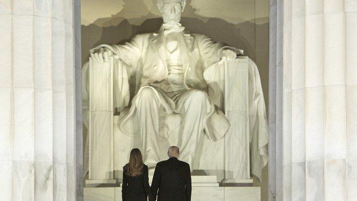 Вандализм в Вашингтоне: Мемориалу Линкольна нанесен ущерб на тысячи долларов