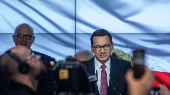 Без обиняков: Премьер-министр Польши выступил против России, обеспечив себе прикрытие